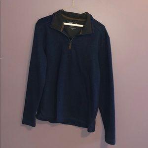 Lightly worn women's quarter zip sweatshirt!